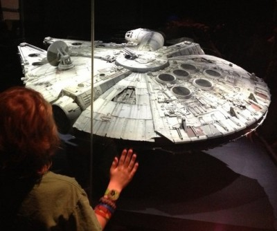 01 - large millenium falcon model