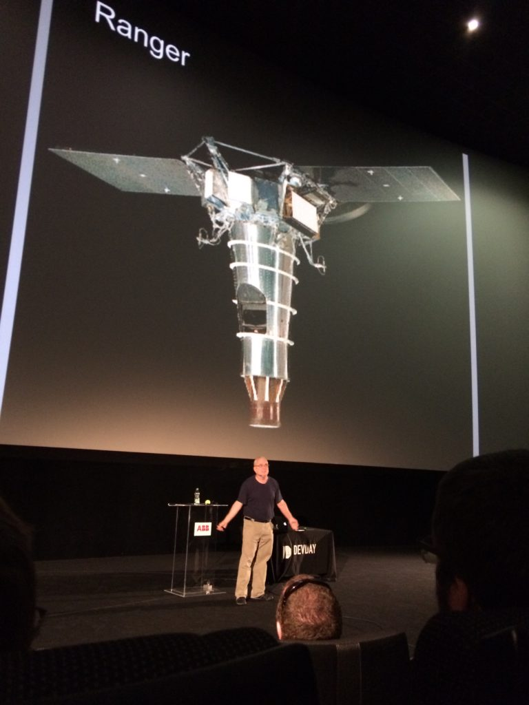 03-russ_olsen_closing_with_an_inspiring_keynote_about_the_moon_race