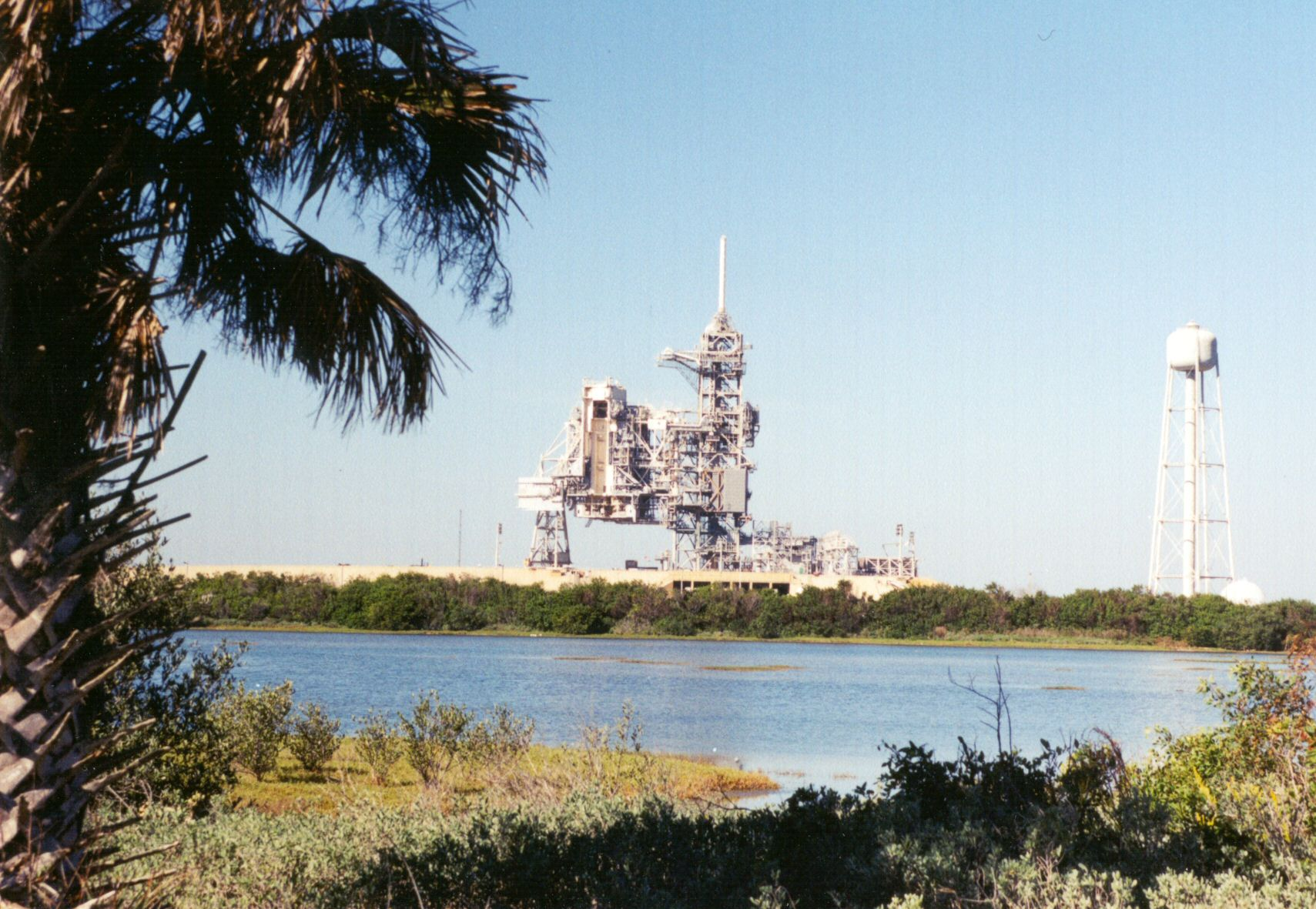 space shuttle on launchpad - photo #10