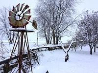 garden-windmill-and-snow